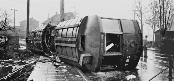 trolley_wreck