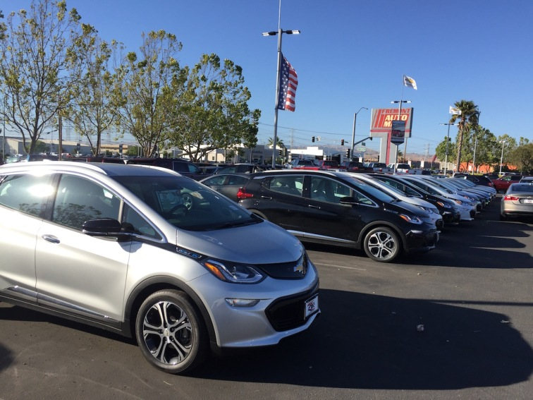 Chevrolet_Bolt_Dealer_12