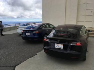 Tesla_Model_3_06