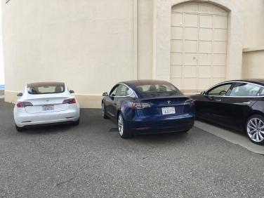 Tesla_Model_3_07