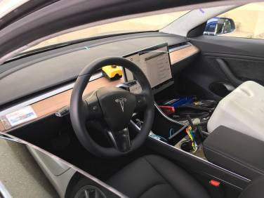 Tesla_Model_3_20