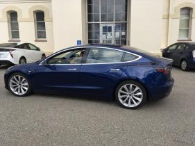 Tesla_Model_3_24