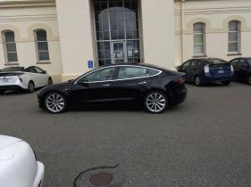 Tesla_Model_3_25