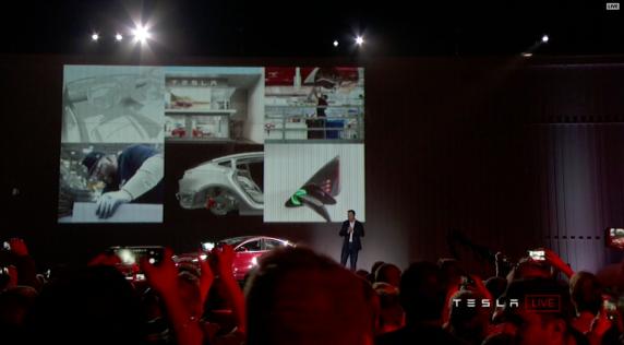 Tesla_Model3_Handover_Event_07