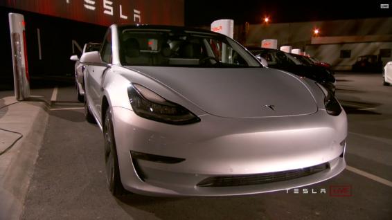 Tesla_Model3_Handover_Event_31
