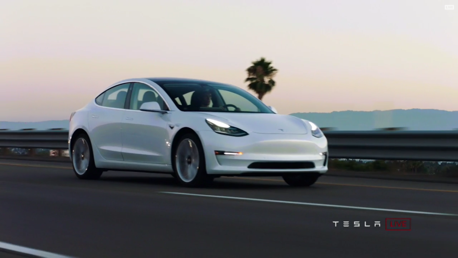 1,800 Additional Model 3 Orders Per Day – Tesla-Shares Rally