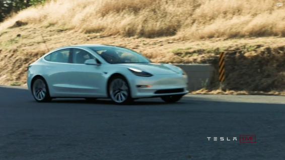 Tesla_Model3_Handover_Event_41