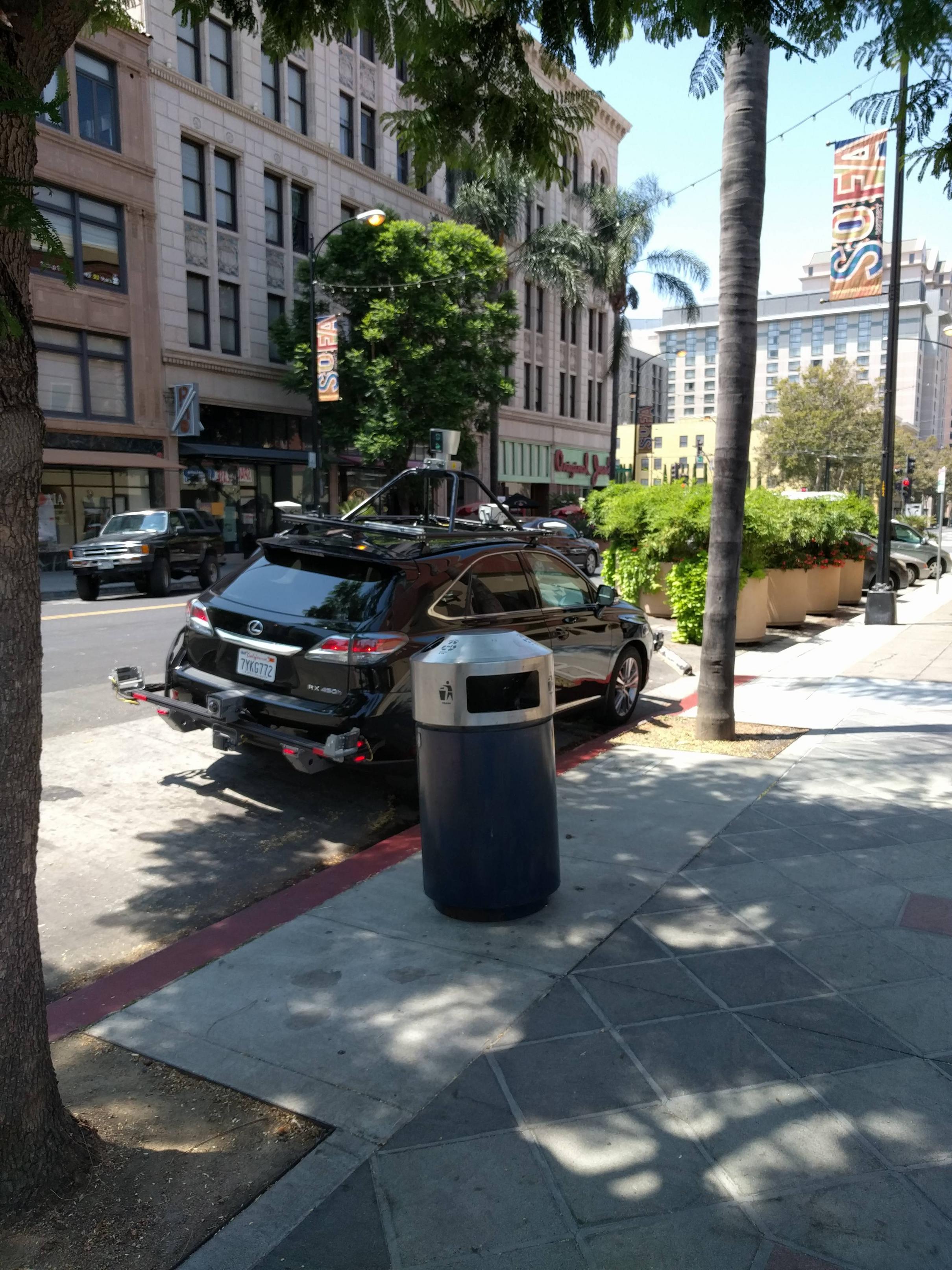 Apple autonomous car in San Jose