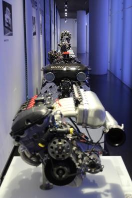 BMW_Welt_Motoren_02