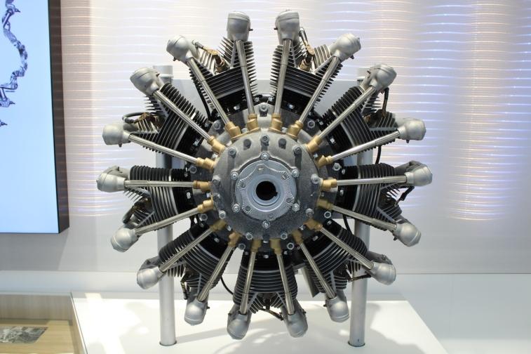 BMW_Welt_Motoren_07