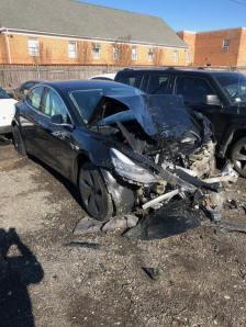 Tesla-Crash_04